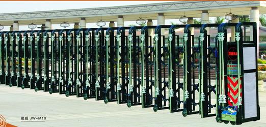 电动伸缩门具有启闭平稳、透视门体,开启后占用空间小等特点。适用于工矿企业、机关院校、娱乐场所、宾馆饭店等庭院围墙门。 主要规格及参数: 电机功率:0.68kw 电源电压:220V 50Hz 门体运行速度:12m/分 长 度:<20米(单开) 门体高度有3种:1.6米;1.8米;2米,特殊高度,另行定制。 门体缩合长度:前架宽0.