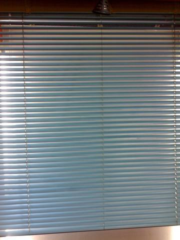 公司有:垂直百叶窗帘,卷帘,铝合金横式百叶帘,香格里拉帘,风琴帘,百折