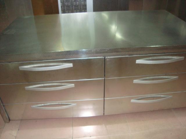 供应广东不锈钢橱柜台面压纹装饰板