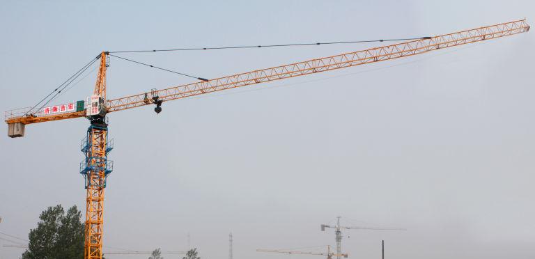 山东重力沈阳塔吊图片