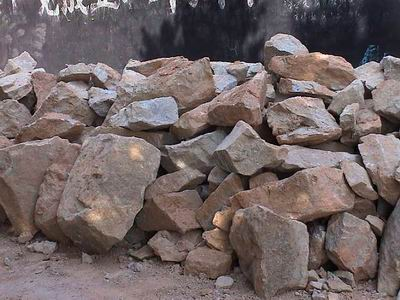 出售大量建筑毛石,沙子,碎石,山皮石