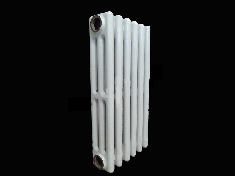 铸铁三柱喷塑暖气片