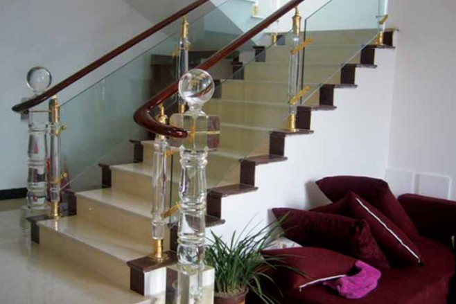 楼梯立柱不锈钢夹木 世爵不锈钢立柱