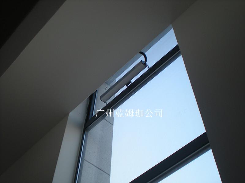 大链式电动开窗器