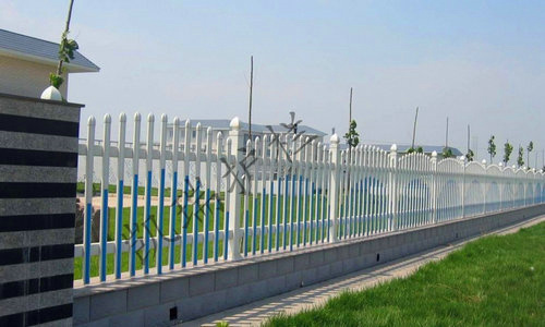 pvc塑钢护栏,草坪围栏