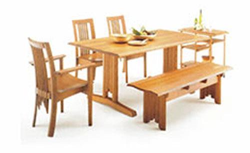 钱家湾黑胡桃实木餐桌