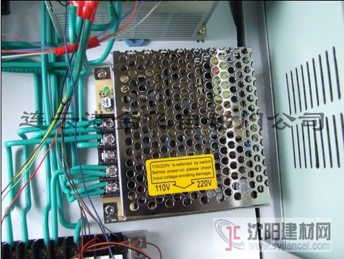 77   详情信息       旋转门控制系统有德国西门子系统,日本松下系统