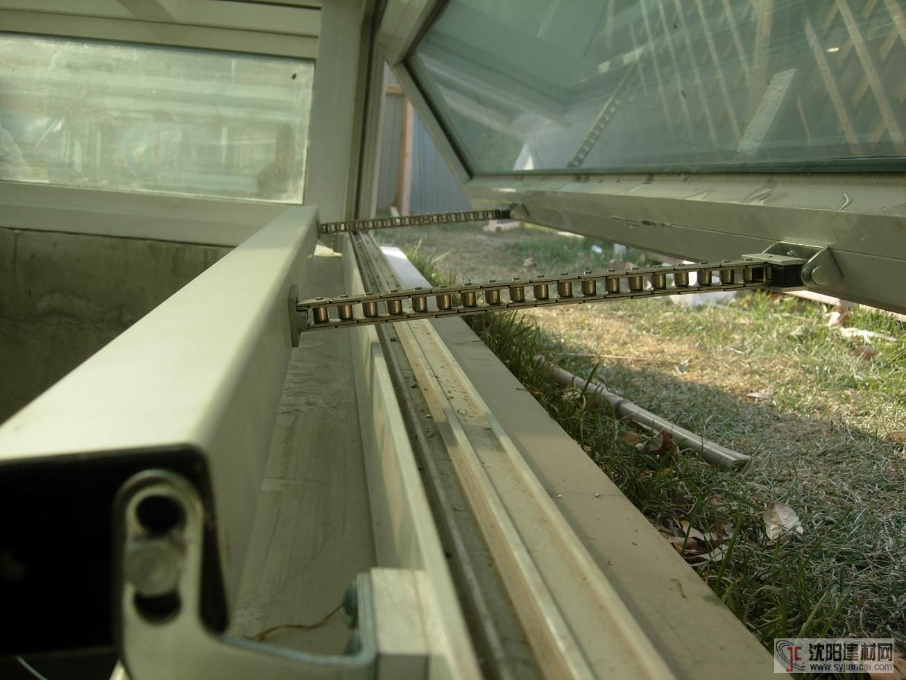 福州体育馆电动开窗器是品牌厂家鸿威电动开窗器