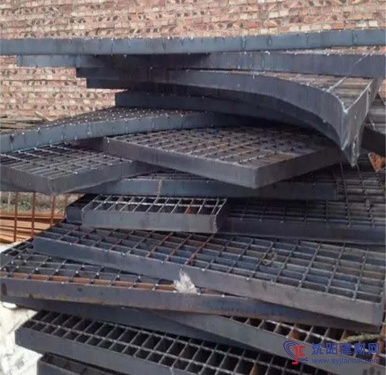 沈阳中耀钢格板厂家专业生产楼梯踏步板凳产品
