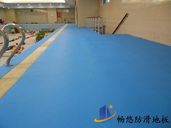 内蒙古包头永盛成游泳馆防滑地板工程