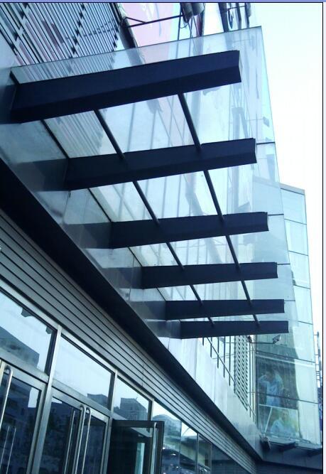 沈阳玻璃加工厂家沈阳厂家更换玻璃钢化玻璃清理