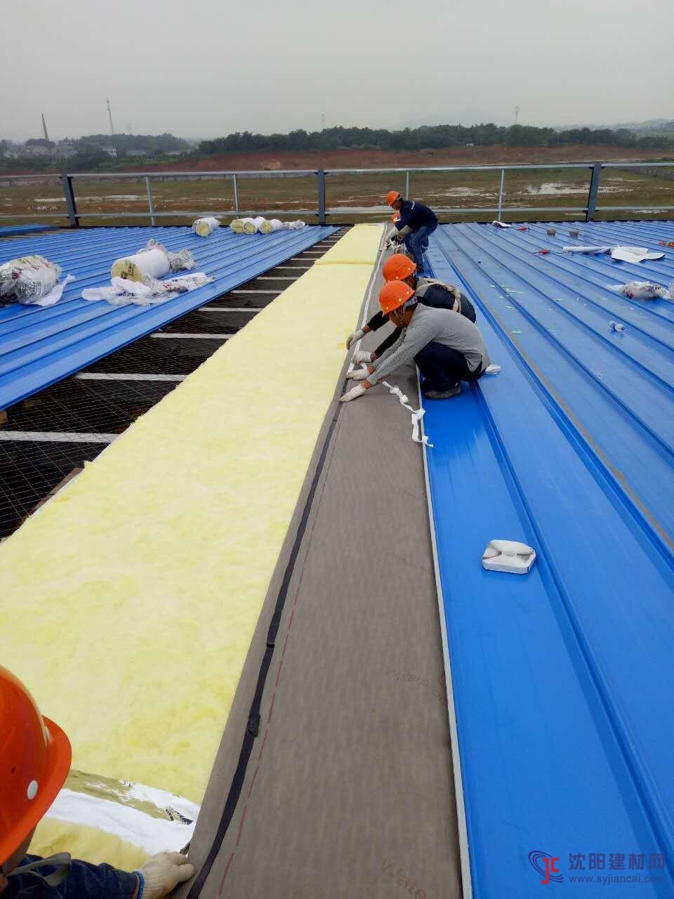 彩钢瓦屋面防水透气膜施工安装