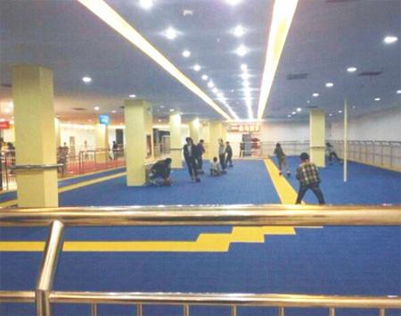 河津市金马百货商场溜冰场