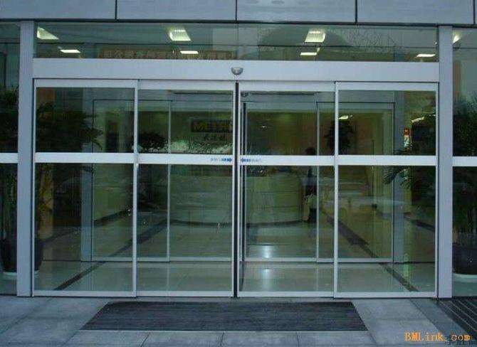 沈阳哪能做白钢门。沈阳白钢门安装制作厂家