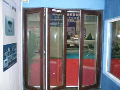 LG塑钢折叠门