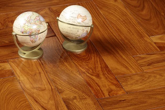 圣达地板本真实木系列:亚花梨—月光宝盒