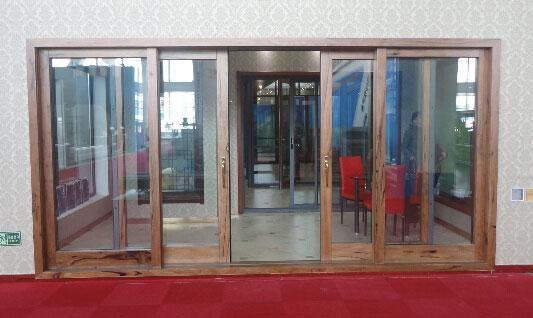 沈阳高档塑钢门窗,沈阳实木复合门窗